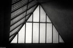 triangle (fhenkemeyer) Tags: bw architecture nrw duisburg lehmbruckmuseum roofwindow triangle window