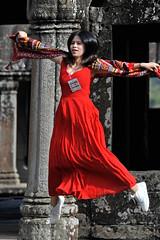 D161112-30218.jpg (vettes.f) Tags: albumsetsélections rouge albumsv lieux temples people thème v40 couleur cambodge vestiges krongsiemreap siemreapprovince
