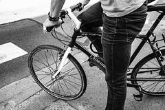 World Environment Day 2019. (LACPIXEL) Tags: vélo bike bicicleta homme man hombre rue street calle callejera noiretblanc blancoynegro blackwhite worldenvironmentday journéemondialedelenvironnement environnement environnment mondiale world día mundial medioambiente sony flickr streetphotographer photographederue lacpixel