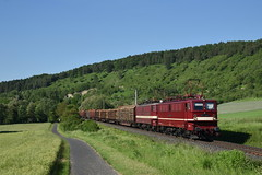 242 145 mit 242 110 EBS (Daniel Powalka) Tags: eisenbahn elok railroads railways railway rail railroad train trainspotting track trainspotter tree zug iso objektiv outdoor photo photographer photos photography photographie panorama award artland spotting strecke schiene sonne deutschland d750 werntal fotografie foto fotograf fotos freighttrain flickr germany güterzug güterverkehr himmel loco lokomotiven lokführer lokomotive landschaft landscape landschaften bayern cargo verkehr bahn br242 nikon nikkor natur nikond750 holzroller