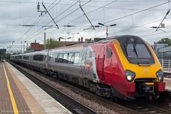Virgin Trains 221104 (Mike McNiven) Tags: virgintrains virgin trains bombardier voyager edinburgh london euston wigan northwestern dmu diesel multipleunit westcoast mainline