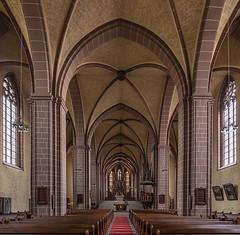Münsterkirche Sankt Alexandri in Einbeck (ulrichcziollek) Tags: niedersachsen einbeck münsterkirch stalexandri kirche kirchenschiff gotik gotisch gewölbe kreuzgewölbe hallenkirche