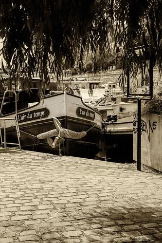 L'air du Temps, toujours instructif les noms donnés aux bateaux... il y a sûrement une explication liée à la vie du propriétaire