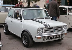 WTF 157H (Nivek.Old.Gold) Tags: 1970 morris mini clubman 1275cc