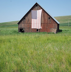 USA (Peter Schnurman) Tags: red barn american flag eastern washington route 106 usa