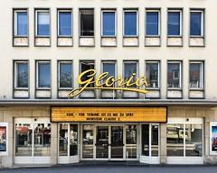 Gloria (Monsieur Adrien) Tags: laden ladenschild leuchtreklame schaufenster storefront storesign typo typografie typography retrosign shopwindow kassel kino cinema movietheater
