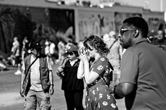 Picture Time (Litratistica Images NYC) Tags: canon70200 canoneos5d blackandwhite monochrome monochromatic coneyisland people broadwalk camera
