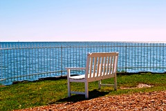 A seat with a view of Lake Michigan (Cragin Spring) Tags: city urban milwaukee milwaukeewi milwaukeewisconsin wisconsin wi midwest unitedstates usa unitedstatesofamerica greatlakes lakemichigan water chair bench lakefront