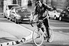 Sourire. (LACPIXEL) Tags: sourire smile sonrisa homme man hombre vélo biciclieta bike road route carretera rue street calle france streetphotographer photographederue pouce thumb pulgar up sony noiretblanc blancoynegro blackwhite flickr lacpixel
