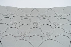 Lucky Star Fractal Tessellation (side view) (Michał Kosmulski) Tags: origami tessellation michałkosmulski tantpaper grey gray