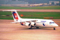 Crossair Avro RJ 100; HB-IXU@ZRH;09.03.1997 (Aero Icarus) Tags: zrh zürichkloten zürichflughafen zurichairport lszh plane avion aircraft flugzeug negativescan