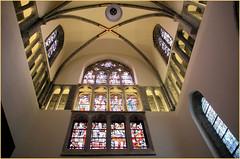Eglise Notre-Dame (Onze-Lieve-Vrouwekerk) Kortrijk (Courtrai) Flandre Occidentale, Belgium (claude lina) Tags: claudelina belgium belgique belgië kortrijk courtrai flandreoccidentale église church onzelievevrouwekerkkortrijk architecture vitraux stainedglass