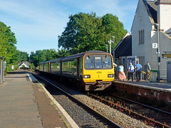 143621 & 143618 Topsham (3) (Marky7890) Tags: gwr 150248 class150 sprinter 2t26 topsham railway devon avocetline train