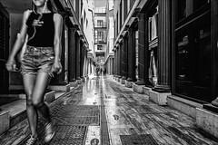 |||o||| (Heinrich Plum) Tags: heinrichplum plum fuji xe2 xf1024mm streetphotography streetphotographie street blackwhite blackandwhite schwarzweiss monochrom monochrome candid jungefrau woman beine legs andalusia andalusien malaga spain spanien