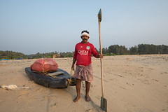Environmental Portrait, Fisherman, Kerala (Geraint Rowland Photography) Tags: boat water sand shore sea ocean indianocean fish fishing fisherman portrait environmentalportrait quatarairlines visitindia indianmen fishinginindia workinkerala oar paddle geraintrowlandphotography wwwgeraintrowlandcouk travelportrait