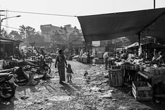 Surabaya Street Life (Amalshaleh1966) Tags: bw pacarkelingoutdoor pasar