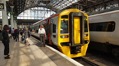 TFW Class 158 158 836 at Piccadilly (gareth219) Tags: manchester piccadilly railway station class 158 tfw locamotive dmu