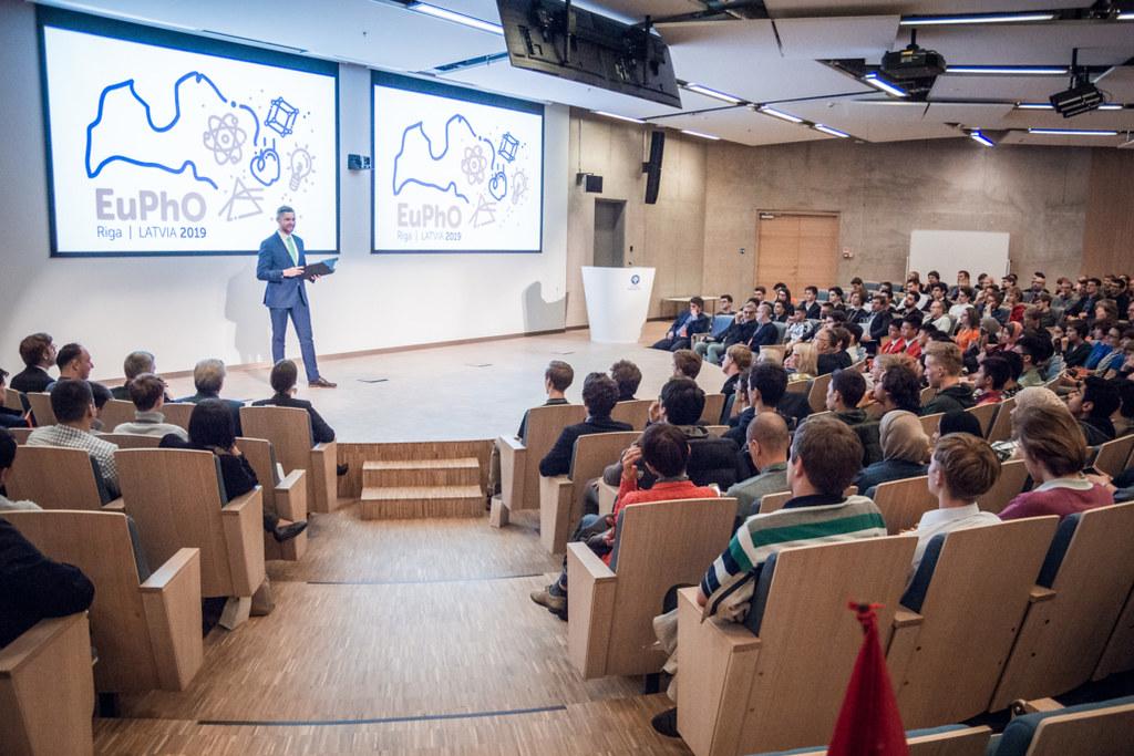 Eiropas Fizikas olimpiâdes (<i>EuPhO 2019</i>) atklâðana.