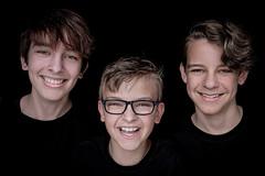 DENS1094-2 (YouOnFoto) Tags: family gezin broers brothers porret portrait smile glimlach eyes ogen lowkey natuurlijk licht natural light