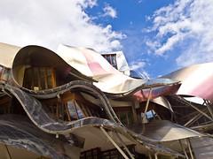 Ciudad del Vino # 7 (schreibtnix on'n off) Tags: reisen travelling europa europe spanien spain gebäude building frankogehry futuristisch futuristic ciudaddelvino olympuse5 schreibtnix