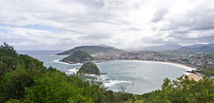Bucht / Bay (schreibtnix on'n off) Tags: reisen travelling europa europe spanien spain sansebastian baskenland basqueregion küste coast atlantik atlantic brandung surf bucht bay olympuse5 schreibtnix