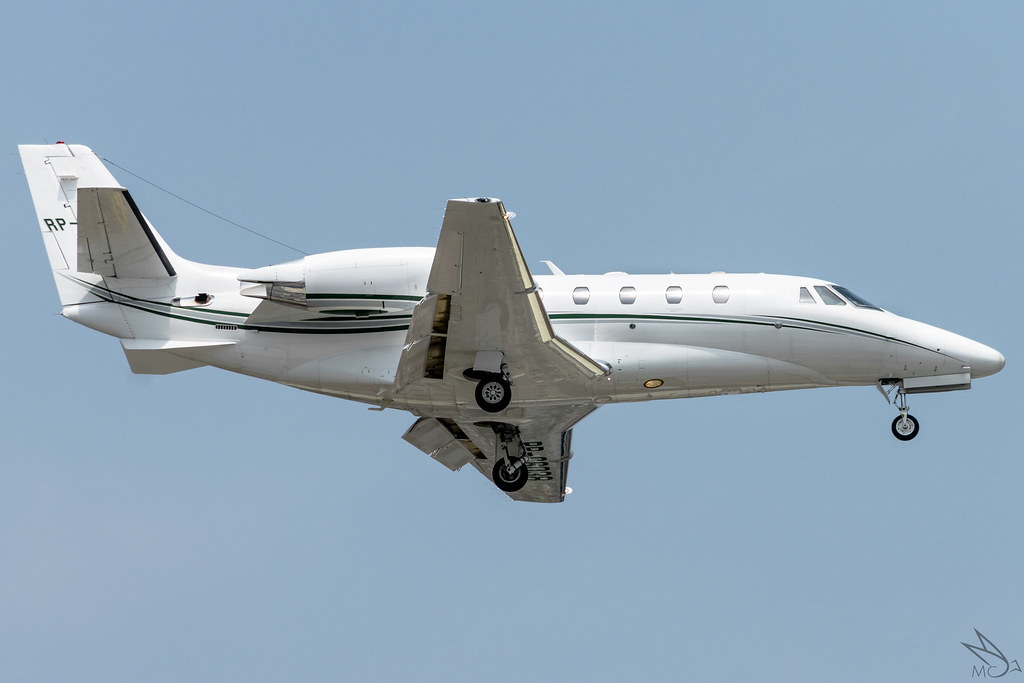 The World's Best Photos of cessna and wing - Flickr Hive Mind