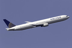 United Airlines 767-400ER N76062 at London Heathrow LHR/EGLL (dan89876) Tags: united airlines boeing 767 767400er b764 767424er n76062 london heathrow international airport takeoff 09r banking lhr egll
