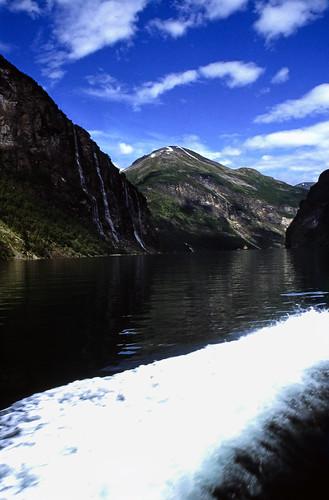 "Norwegen 1998 (344) Geirangerfjord • <a style=""font-size:0.8em;"" href=""http://www.flickr.com/photos/69570948@N04/48013882641/"" target=""_blank"">View on Flickr</a>"