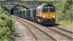 66782. Whitwell. (Alan Burkwood) Tags: whitwell derbyshire gbrf 66782 diesel locomotive 6e89 wellingboroughrylstonetilcon empties