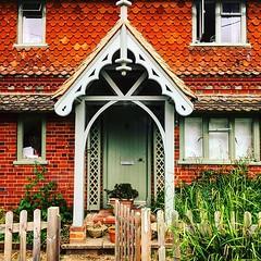 Doortrait on Vann Lane, Ockley (Puckpics) Tags: instagram ifttt doortrait door frontdoor ockley surrey house building entrance