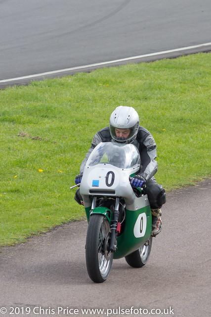 CRMC Castle Combe Race 5 - Formula 750, Superbike 1 & Post Calssic 750