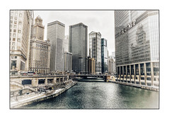 Chicago River (Jean-Louis DUMAS) Tags: urbanisation urbanisme urban town dark artchitecte architecture architect river rivière shot tour building immeuble chicago ville bâtiment architecturale architectural architecte hdr