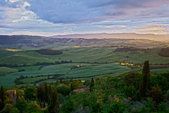 EVENING MOOD IN VAL D'ORCIA (LitterART) Tags: light evening mood abendstimmung pienza valdorcia tuscany toskana toscana licht sky skies hdr sonyrx100 pievedicorsignano