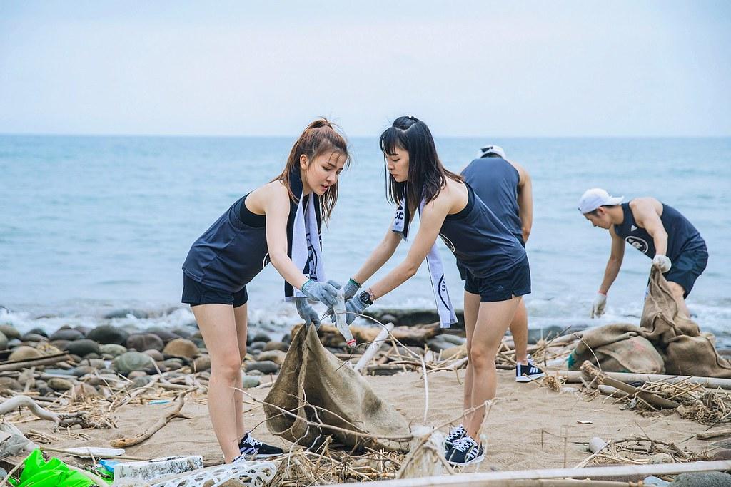 5. 6月8日世界海洋日前夕,adidas與跑團於金山中角灣清理超過270公斤的垃圾