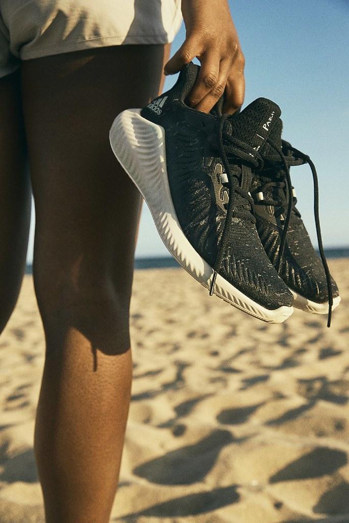 6. ALPHABOUNCE+ PARLEY鞋款(男款G28372/女款G28373)於世界海洋日前夕正式上市,售價$3,690