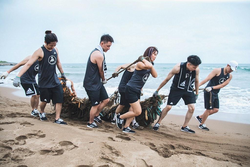 6. adidas Runners於金山中角灣共同淨灘,齊力清理超過270公斤的垃圾