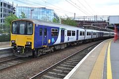 Northern Rail Class 150/1 150123 & 156 156420 - Stockport (dwb transport photos) Tags: arriva northernrail dmu sprinter 150123 156420 stockport