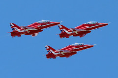 Guernsey Air Display 2019: The Red Arrows (cv880m) Tags: guernsey channelislands uk gb redarrows bae hawk smokeon guernseyairdisplay bordeaux raf rafa royalairforce dday airshow aviation aircraft jet fighter trainer airplane