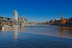(A. Neto) Tags: 700d buenosaires canon canonefs1018isstm canont5i700d eos t5i copyrightcaneto argentina river puertomadero cityscape sky water boats