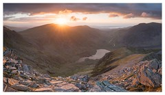 Cwm Idwal (Ollie Pocock) Tags: nantffrancon ogwen llyn uk canon mountaineering sunstar snowdoniasunset sunset mountainphotography mountains nationalpark wales rocks ygarn ygribin llynidwal cwmidwal snowdonia northwales