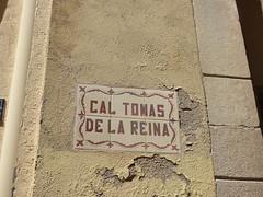 Carrer Vilanova del Mercadal, Montblanc - Cal Tomas de la Reina - road sign (ell brown) Tags: montblanc tarragona catalonia catalunya spain españa tree trees concadebarberà pradesmountains sign roadsign carrervilanovadelmercadal caltomasdelareina