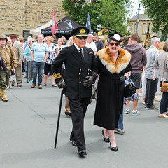 XPRO6988-1 Brighouse, uk. 1940's weekend June 1st 2019 (Lawrence Holmes.) Tags: fuji xpro1 xf1855mmf284rlmois brighouse 1940s 1940 reenactment nostalgia brighouse1940sweekendjune1st2019 streetphotography street fashion calderdale westyorkshire uk brighouse1940sweekend lawrenceholmes