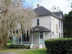 House in Tuscawilla Park Historic District, Ocala (StevenM_61) Tags: house architecture florida spanishmoss historical residence ocala