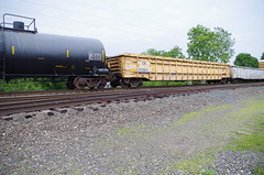hudson 137 (Fan-T) Tags: hudson conrail gondola mow cr ohio