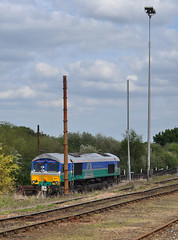 66711 (Headcode) Tags: loco locomotive class66 class667 66711 generalmotors gm londonontariocanada gbrf gbrailfreight gbrfaggregate type5 jt42cwr electromotivedieselemd710 emd12n710g3bec gmemdar8 gmemdd43tr diesel dieselelectric twostroke selfsteeringbogie radialtruck hoojunction higham kent england britain uk gb train rail railway railways 17may2015 17052015 5172015 dsc1181 ©robertchilton