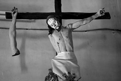 Crucifiction Gone Wrong (peterkelly) Tags: digital bw northamerica canon 6d canada mexico yucatán mérida hacienda church chapel crucifiction jesuschrist haciendauayalceh cross broken arm disconnected