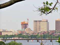 IMG_1871 (dzh2282) Tags: boston cambridge memorialdrive bu bubridge charlesriver skyline skyscraper construction buildings massachusetts newengland