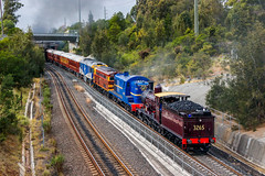 To The Expo (southernspiritnr84) Tags: 32class passenger ge transfer 44class 40class carriage glclass diesel heritage locomotive pclass alco ssfl steam birrong nsw australia