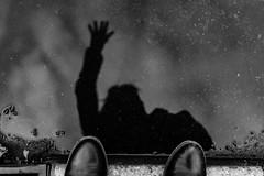 Selflaque du jour... Bonjour ! (LACPIXEL) Tags: selfie selfportrait selflaque flaque puddle charco pluie rain lluvia yo i moi main hand mano pied foot pie chaussures shoes zapatos noiretblanc blancoynegro blackwhite bonjour hello hola sony flickr lacpixel