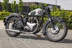 BSA  190531-135-C7 ©JVL.Holland (JVL.Holland John & Vera) Tags: bsa holland netherlands canon rotterdam europe nederland lr rtm ehrd zestienhoven rotterdamthehagueairport jvlholland bike transport motorbike motor motorfiets motorcycles